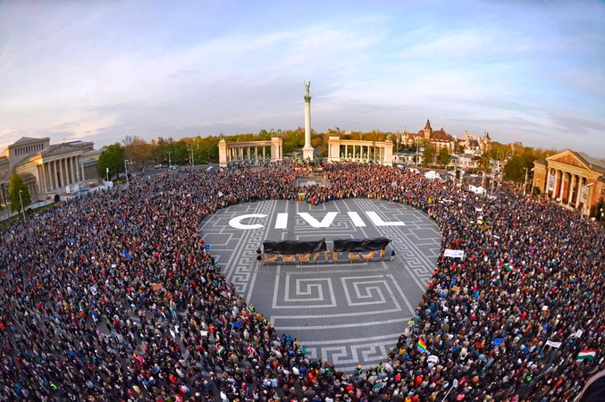 Mađarske NVO: Nastavljamo
